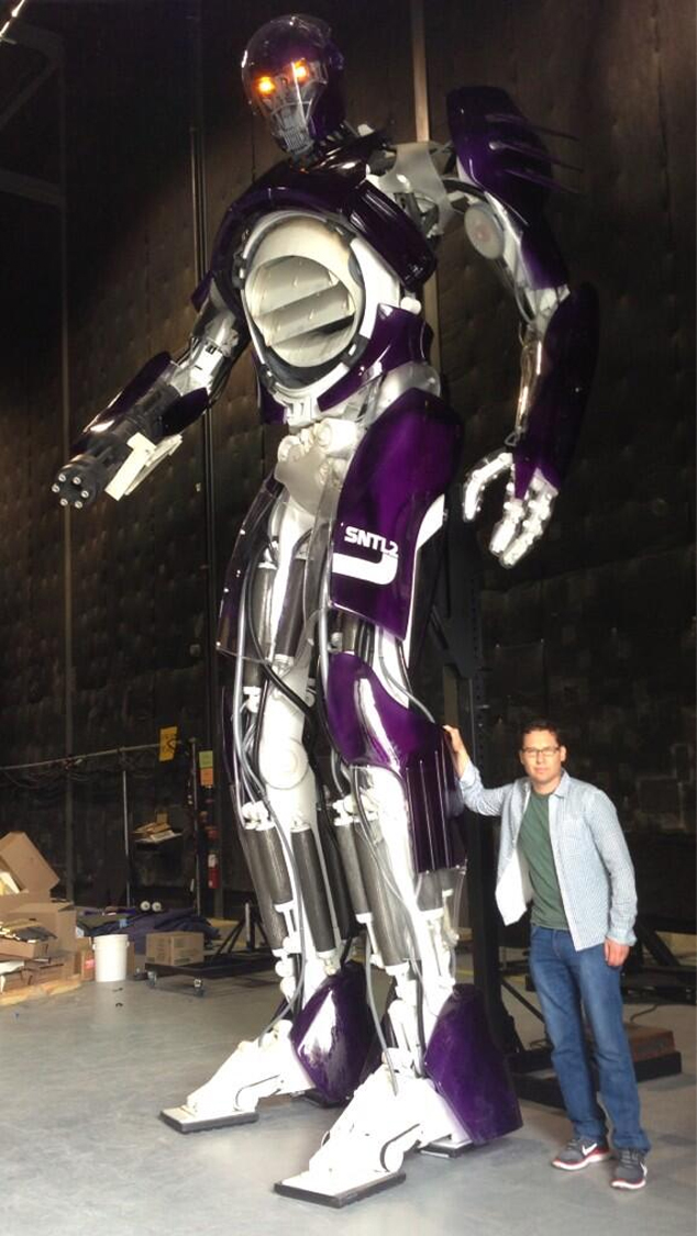 x-men-days-of-future-past-sentinel-to-scale